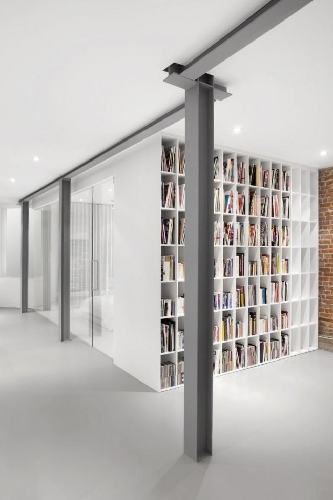 Moderne Wohnung in Montreal  Raue Texturen und Hochglanz