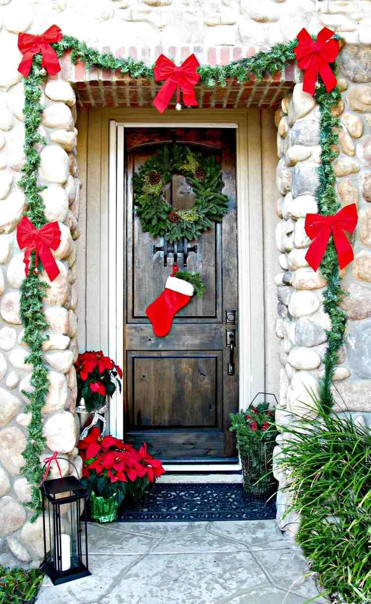 Weihnachtliche Dekoration Fr Einen Festlichen Hauseingang