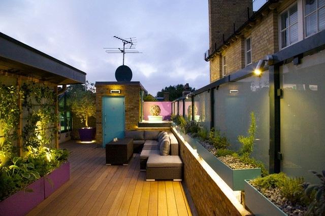 moderne dachterrasse gestalten ein gruner zufluchtsort grosstadt, Gartengerate ideen