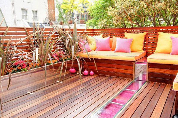 balkonumrandung aus metall » terrassenholz, Gartengerate ideen