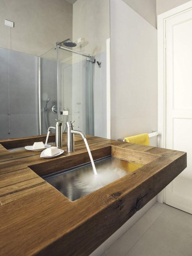 Ein Holz Waschtisch Mit Glas Waschbecken Von Lago Schafft