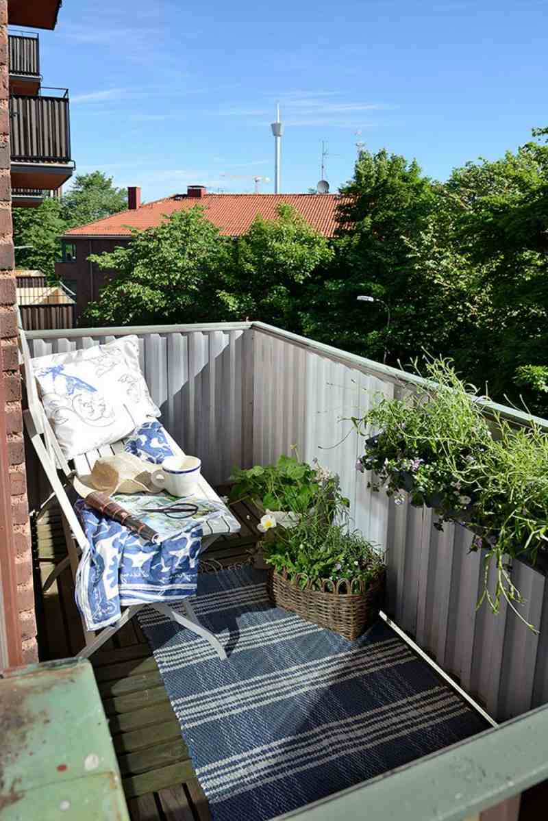 Amazing Small Apartment Balcony Decorating Ideas