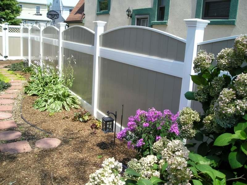 sichtschutzzaun in weiss ist der sichtschutzzaun aus kunststoff, Terrassen ideen