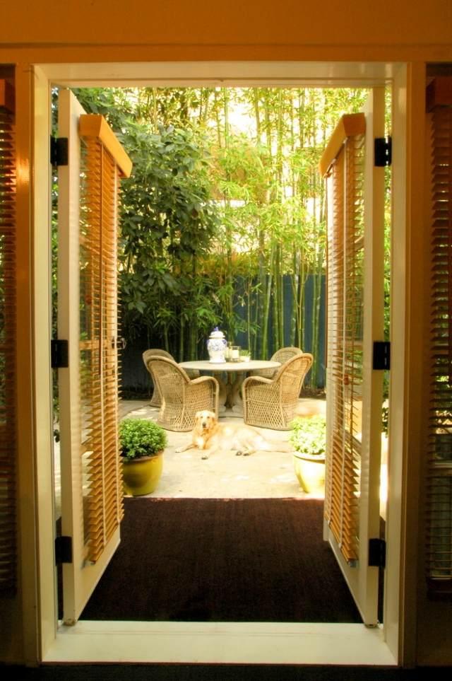 terrassen sichtschutz mit pflanzen blicke fernhalten. Black Bedroom Furniture Sets. Home Design Ideas