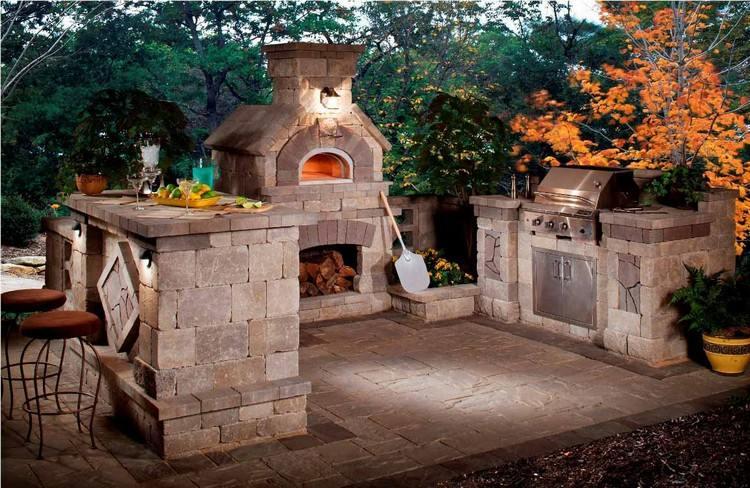Grillkamin aus Stein  das absolute Highlight im Garten