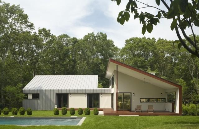 slant slant roof modern house design » terrassenholz, Gartengerate ideen