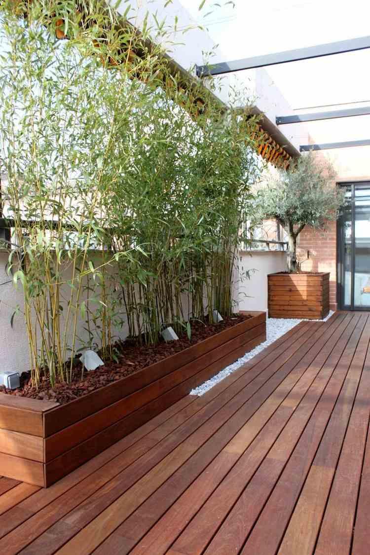 sichtschutz balkon bambuspflanzen hochbeete holz mulch sichtschutz fur balkon funktionale und stilvolle ideen