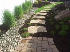 20 Möglichkeiten bei der Gartengestaltung mit Steinen