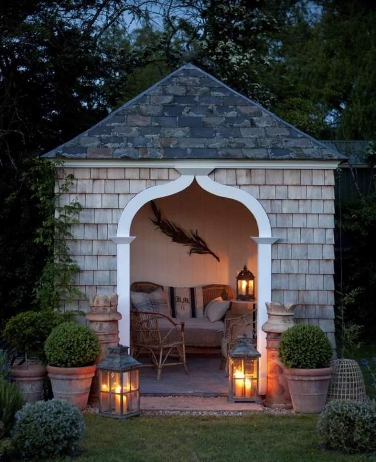 Sympatisches Gartenhaus aus Holz selber bauen  17 Tipps