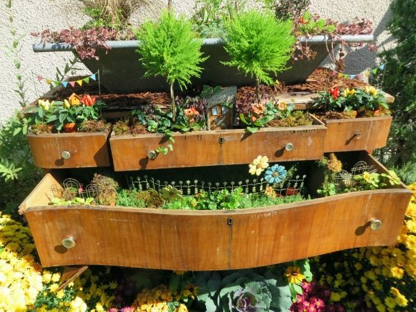 Balkon Und Garten Moebel Und Deko Gartendeko Fahrrad Bepflanzen ... Mobel Deko Im Garten Selbermachen