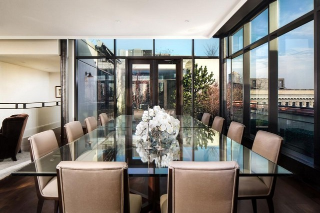 Gerumige Penthouse Wohnung mit Traumblick zu der Stadt