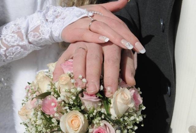Hochzeitsngel Bilder  55 Ideen fr schlichte Nageldesigns