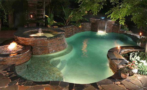 Swimmingpool mit Feuerstelle  18 inspirierende Beispiele