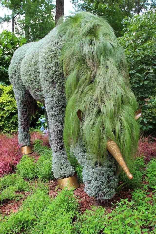 Lebendige Skulpturen im Garten im Atlanta Botanical Garden
