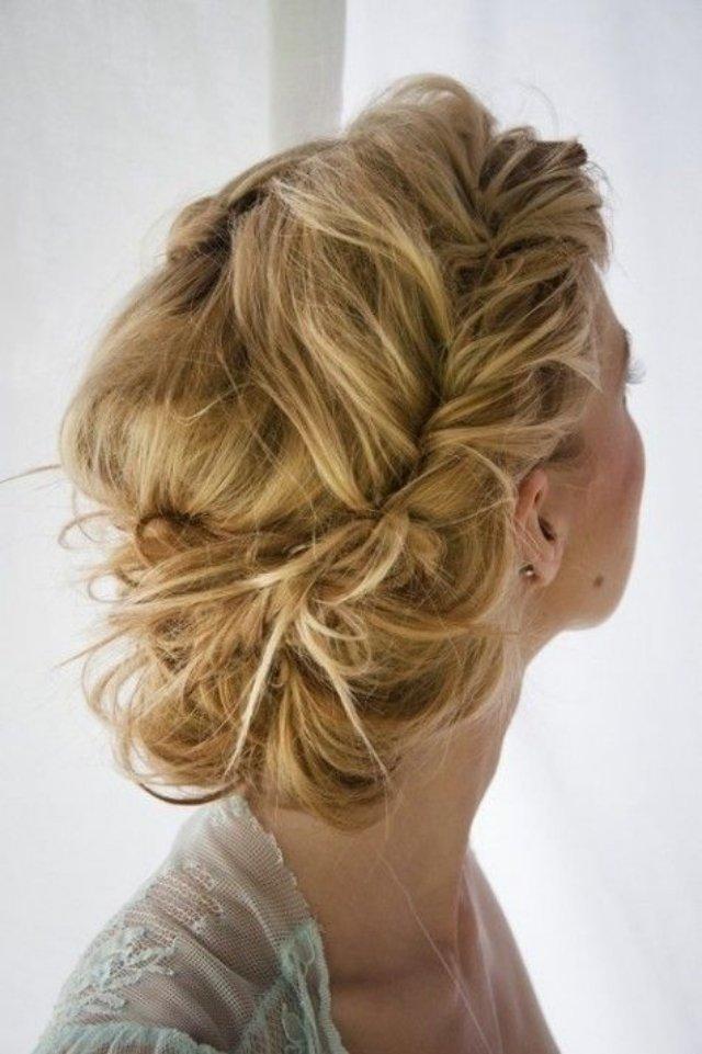 Die Dutt Frisur Synonym Fur Weiblichkeit Und Eleganz Frisur Ideen