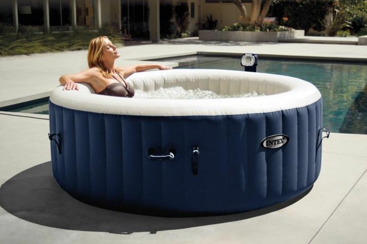 Die Whirlpool Badewanne Und Ihre Verschiedenen Varianten