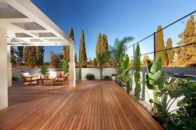 terrassengestaltung mit holz 25 inspirierende ideen - meuble garten, Gartengerate ideen