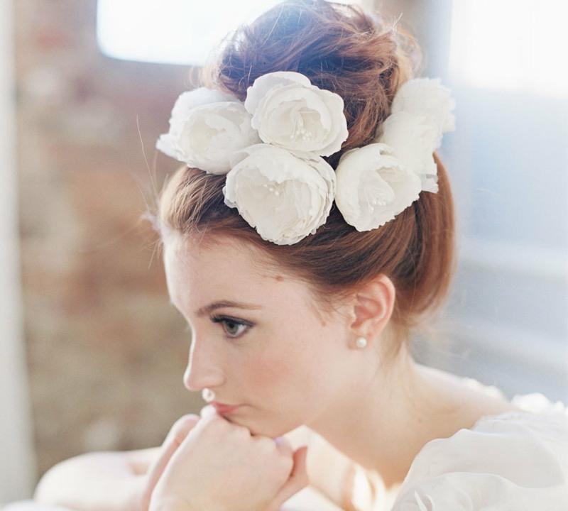 24 Sommer Ideen Fur Romantische Und Elegante Braut Frisur Frisur Ideen