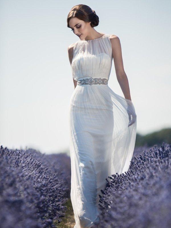 25 klassische Brautkleider  Eleganz im Herzen des Sommers