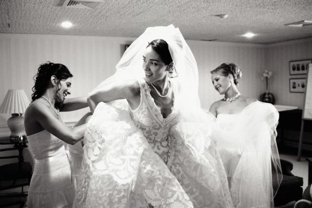Das Richtige Brautkleid Anziehen Kurz Lang Oder Kombiniert?