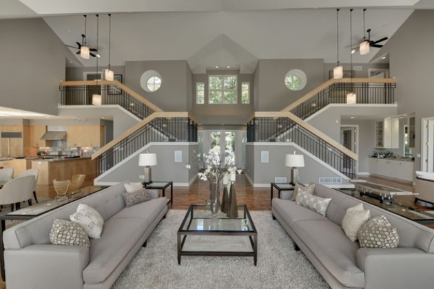 Fantastisch Wohnzimmer Offen Symmetrisch Gestaltet Doppelhohe Decke Graue, Modern Dekoo