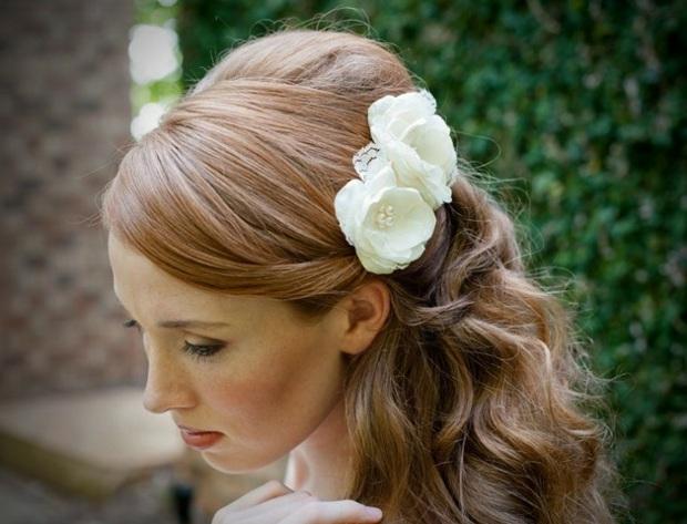 Frisur Fur Hochzeit Elegante Brautfrisur Mit Locken Frisur Ideen