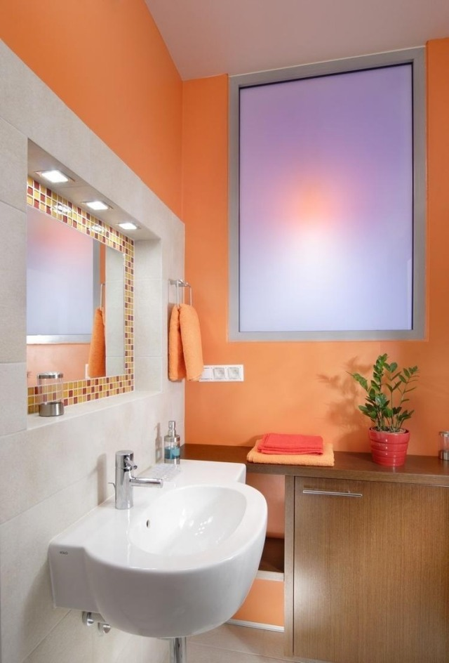 Bad Streichen  Ist Spezielle Farbe Im Badezimmer Notwendig?