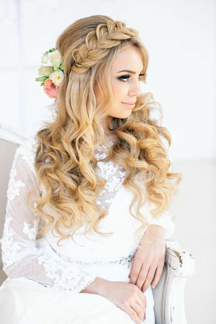 Frisur Für Hochzeit Elegante Brautfrisur Mit Locken