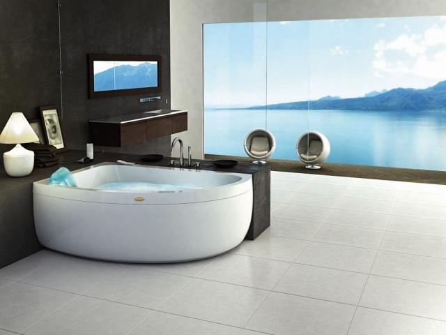 Modernes Badezimmer Mit Whirlwanne Für Genießer