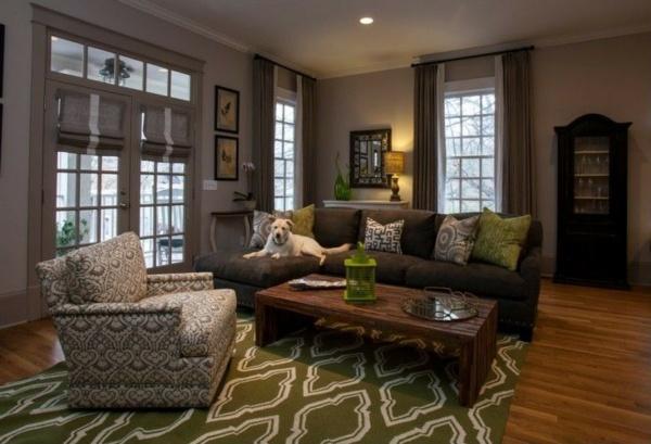 Wohnzimmer in Grau mit klassischen Akzenten und luxurisen