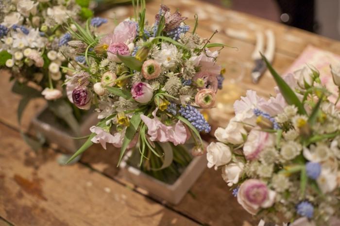 Blumengestecke selber machen  DIY Projekte