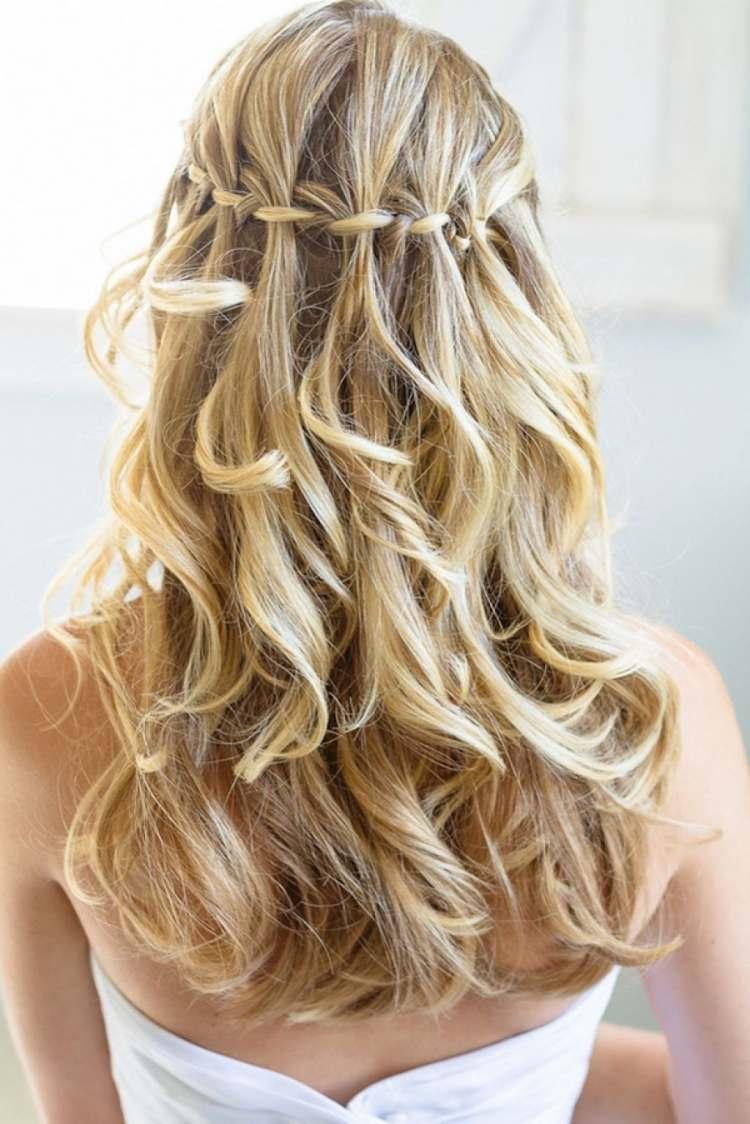 DIY Frisur Wasserfallzopf Für Ein Hübsches Styling