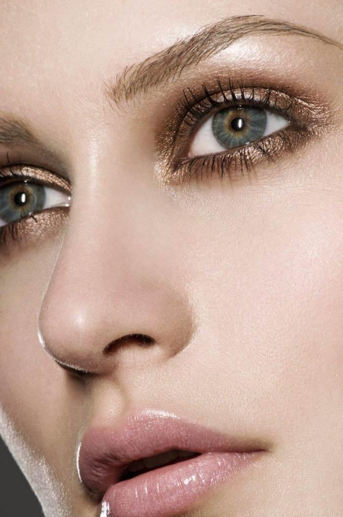 19 Atemberaubende Metallic Eye Makeup Ideen