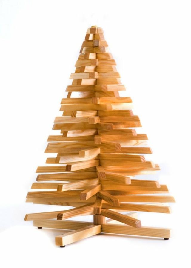 Weihnachtsbaum aus Holz, öko freundlich der Natur zuliebe