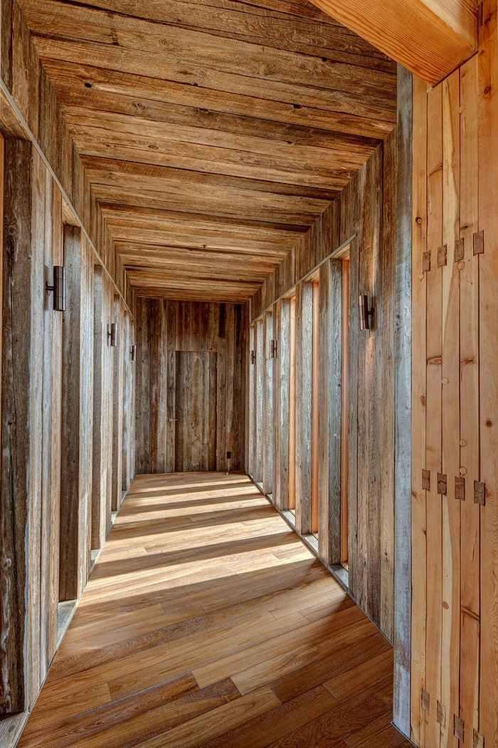 Wohnzimmer Wandgestaltung Ideen Interaktion zwischen Holz und Stein