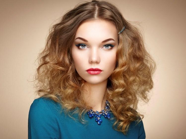 Frisur Fürs Erste Date 33 Ideen Für Lange Haare