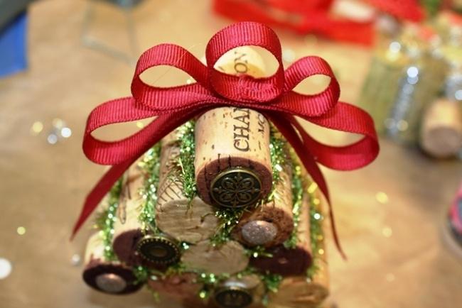 Weihnachtsdekoration aus Korken zum Selbermachen