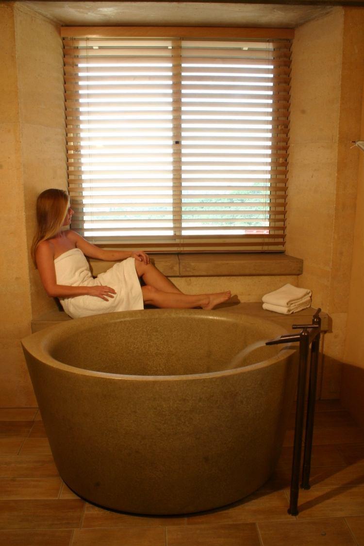 Die japanische Ofuro Badewanne aus Holz kann heilen