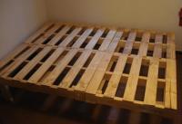 Bett aus Europaletten - Gnstiges Mbelstck selber machen