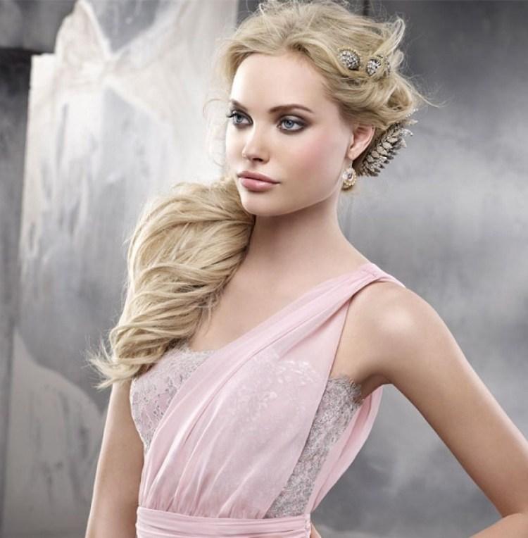 Frisur Für Kleid Mit Einem Träger 25 Ideen Und Beispiele