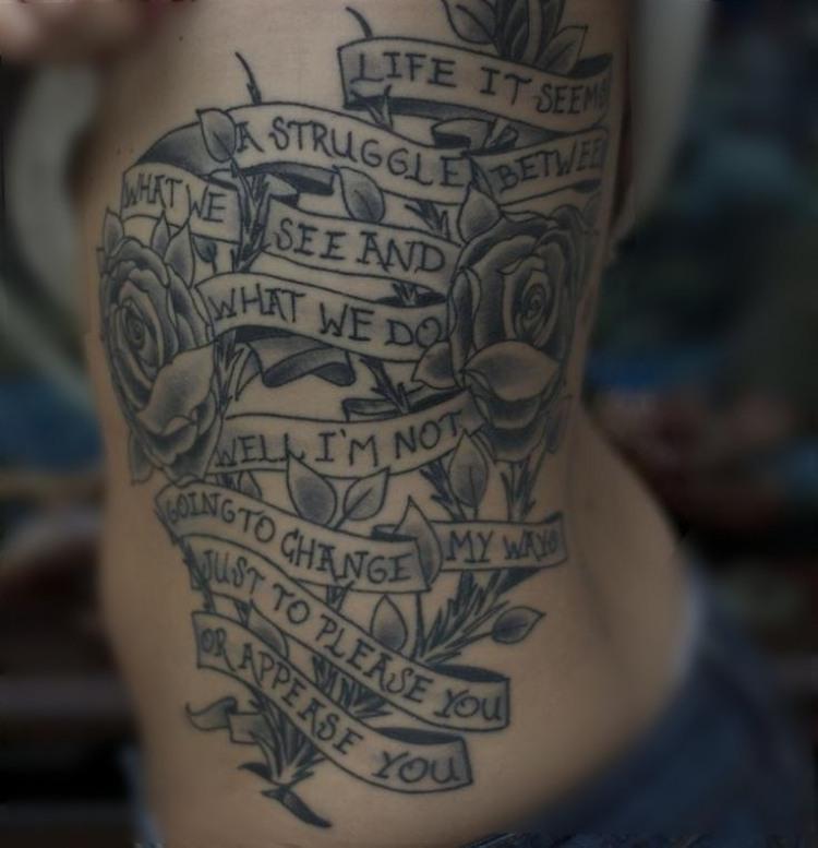 35 Ideen fr Tattoo Schriften Sprche und Schriftarten