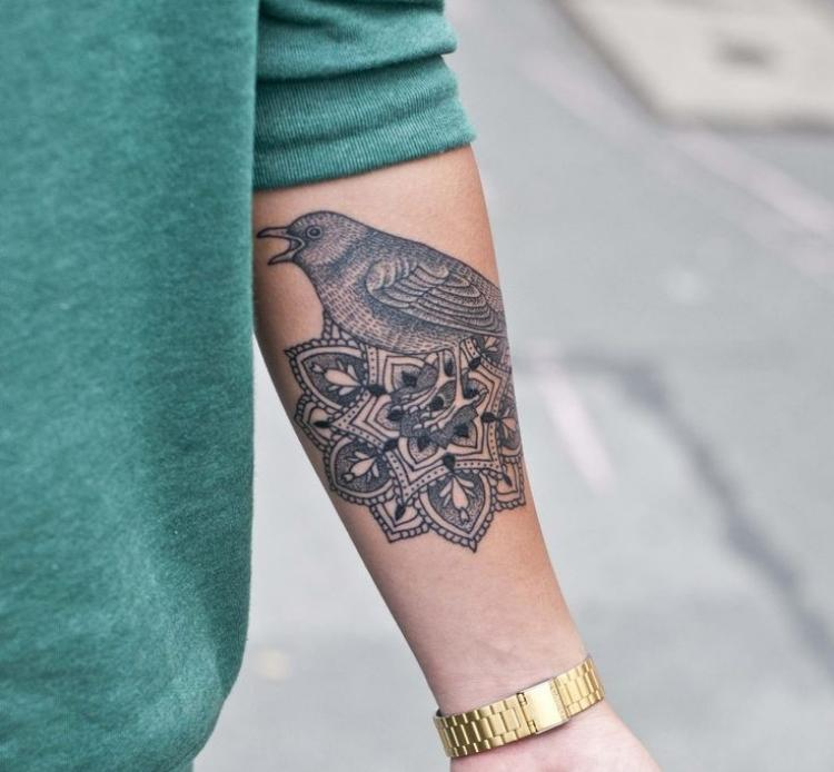Mandala Tattoo Vorlagen Oberarm Frau