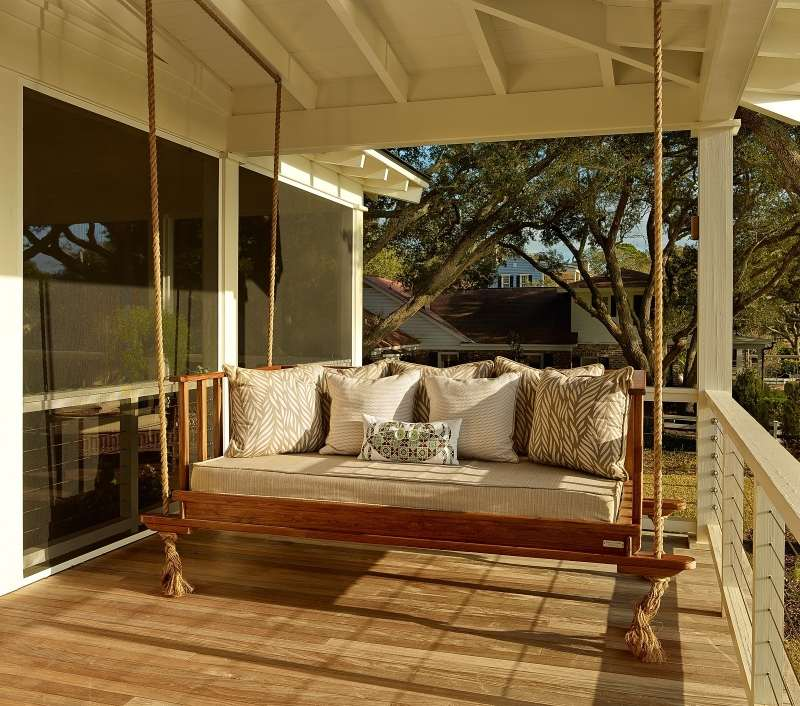 Gartenschaukel aus Paletten und Seil selber bauen