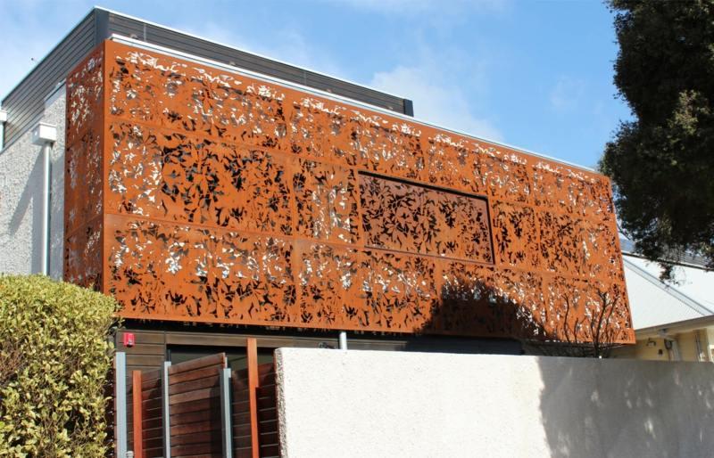 cortenstahl sichtschutz balkon idee edelrost haus modern design cortenstahl sichtschutz fur garten ideen und beispiele