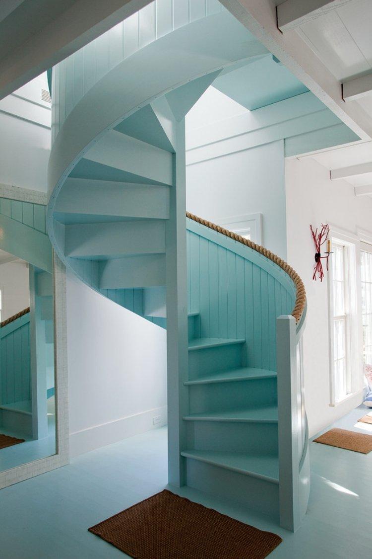 Moderne Spindeltreppe Als Dekoratives Element Im Haus