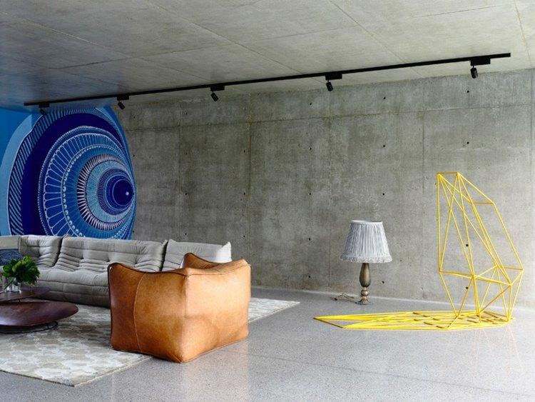 Haus mit Interieur im Beton Look kombiniert mit Eichenholz