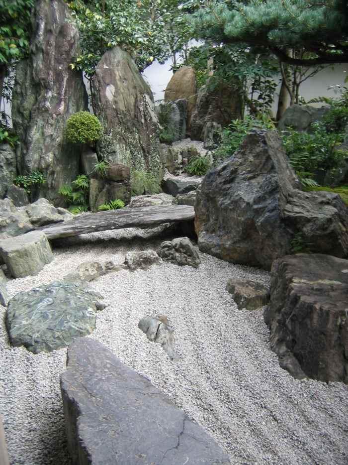 steingarten anlegen in schritten - boisholz,