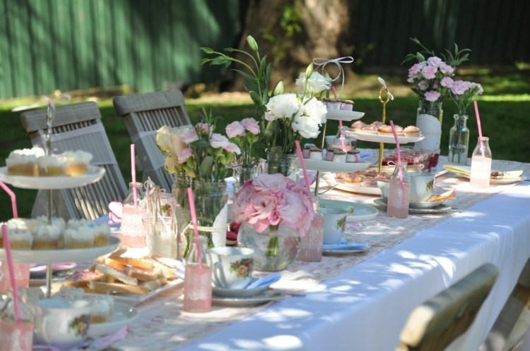 Tischdeko Garten Idee Vin E Arrangement Desserts Tischdecke Weiss