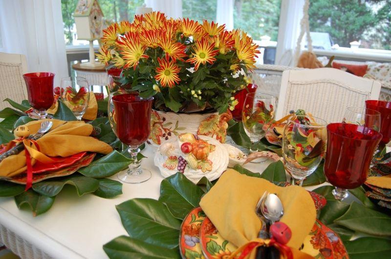 Sommerliche Tischdekoration  25 frische Gestaltungsideen