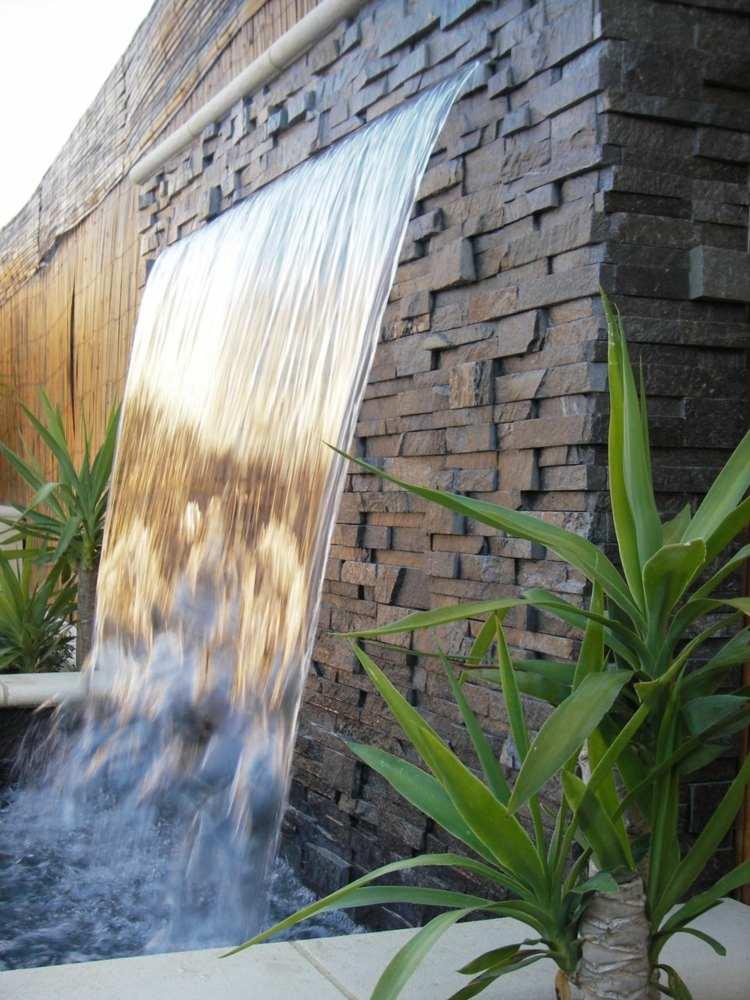 ... Wasserspiel Garten Wand Steinfliesen Idee Wasserfall Modern Design ...